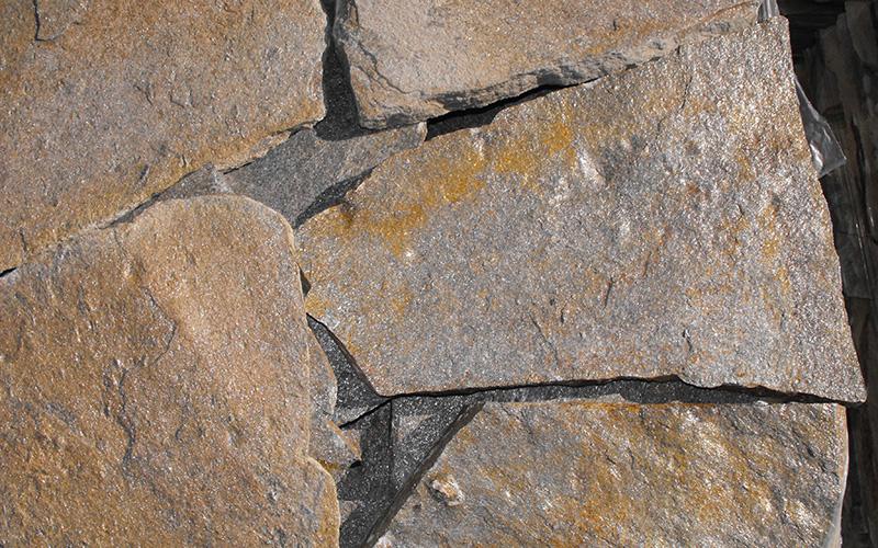 piedra marron oxidada