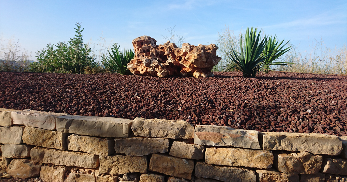 taco-cizalla-rectangular-piedra-volcanica-roja-rocalla